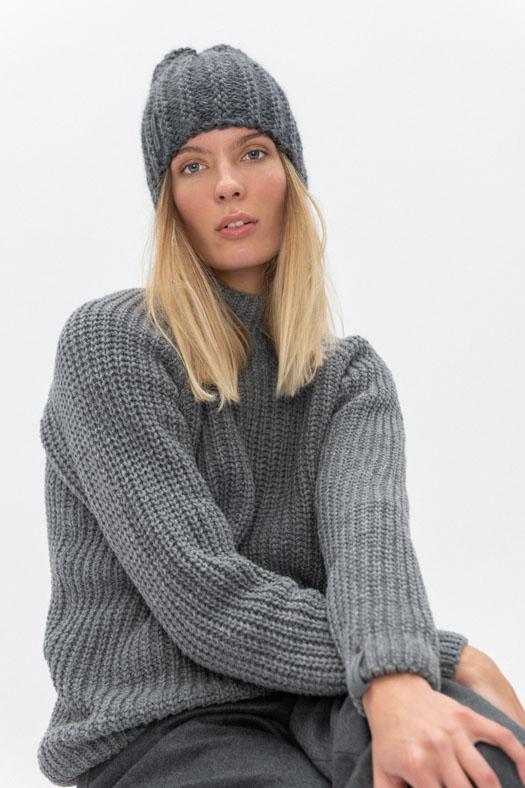 wool beanie woman gray